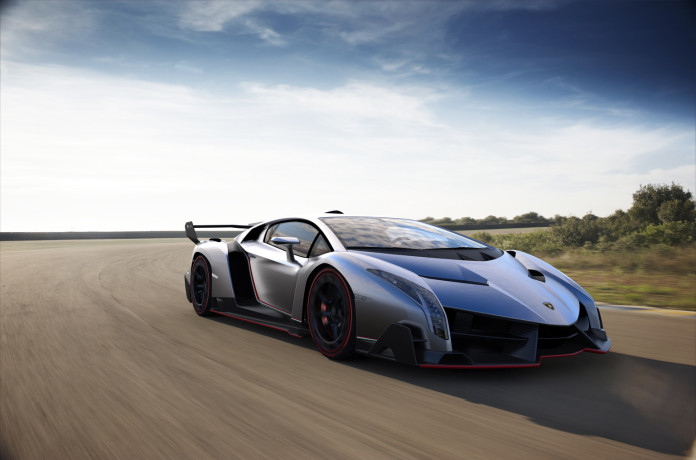 2013_Lamborghini_Veneno-5-1536