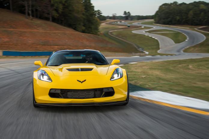 2015-Chevrolet-Corvette-Z06-front-end-in-motion-03