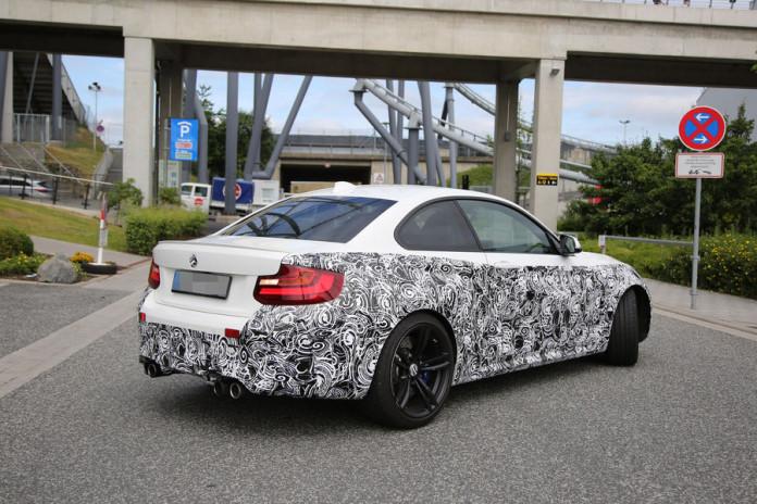 BMW M2 spy photos in white (6)