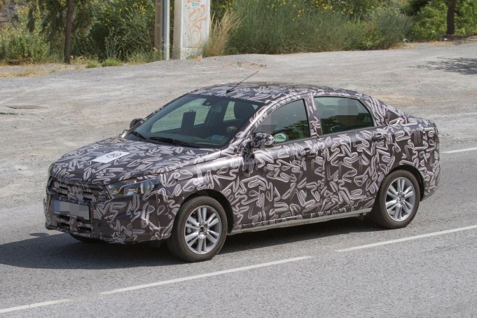 Lada Vesta and XRAY spy photos (1)