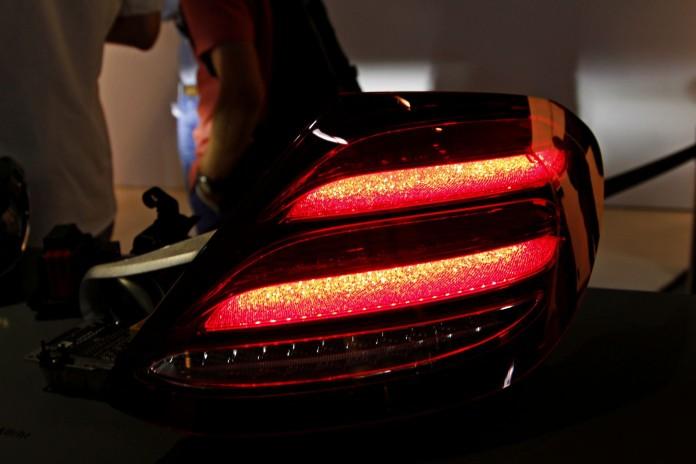 Mercedes-Benz E-Class 2016 taillights (4)