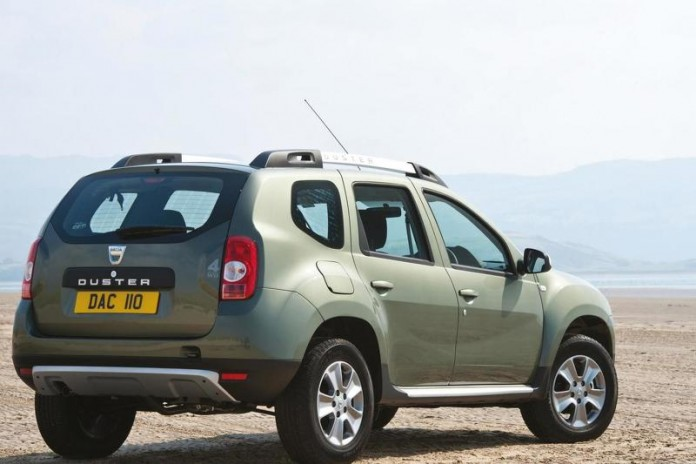 2015-590009dacia-duster-with-1-6-liter-16v-petrol-engine-euro-6