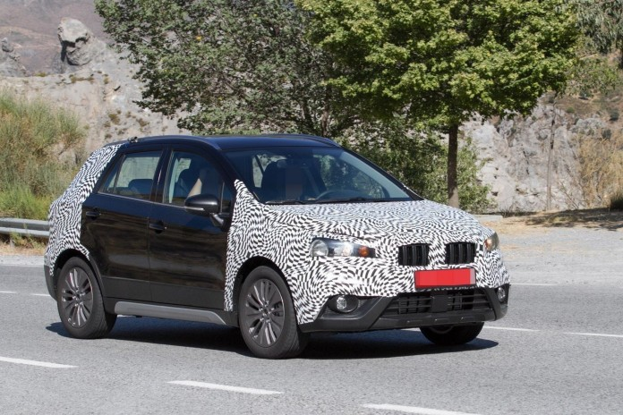 Suzuki SX4 S-Cross facelift 2016 Spy Photos (3)