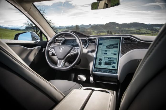 Tesla-Model-S-interior-4