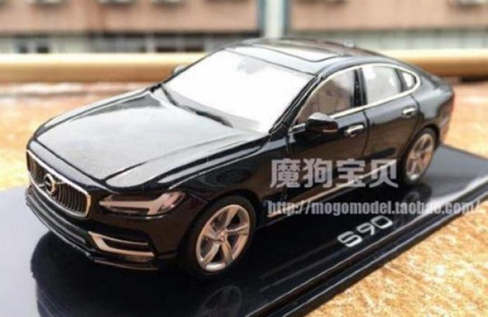 Volvo S90 scale model 3