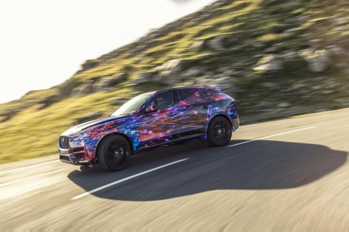 jaguar_fpace_dynamic_05_0