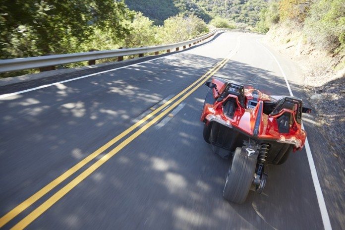polaris-slingshot-arrives-in-europe-prepare-for-awesome-fun-video-photo-gallery_1