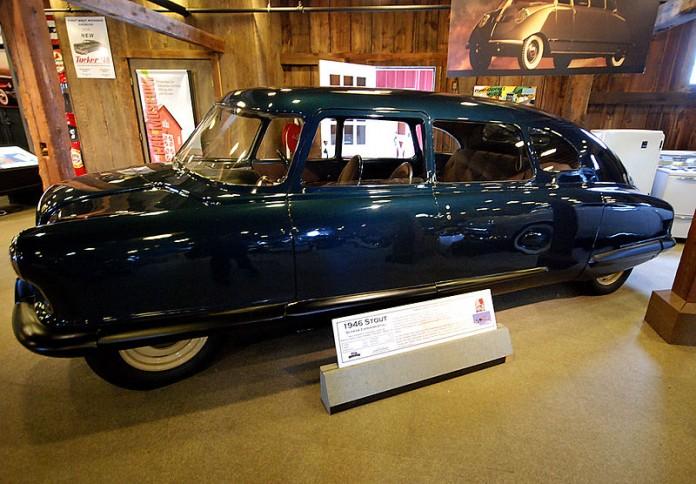 800px-Stout_Scarab_Gilmore_Car_Museum_2011-11-11_02-28-05