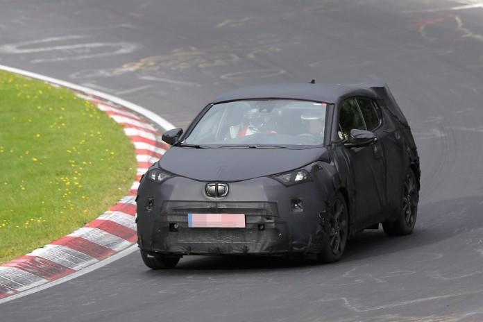Toyota C-HR production version spy photos (1)