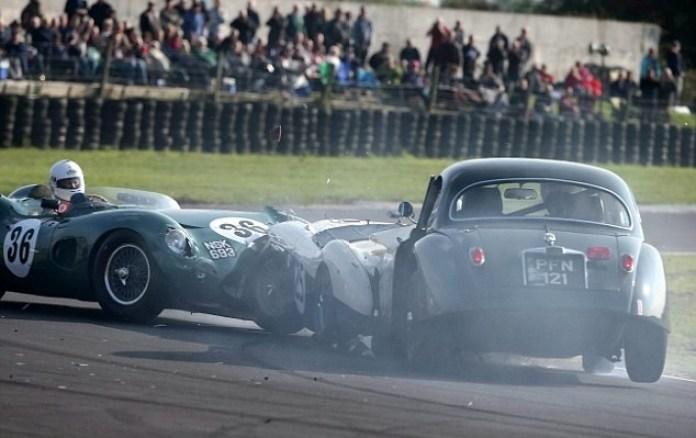 Aston Martin DBR1 crash (1)