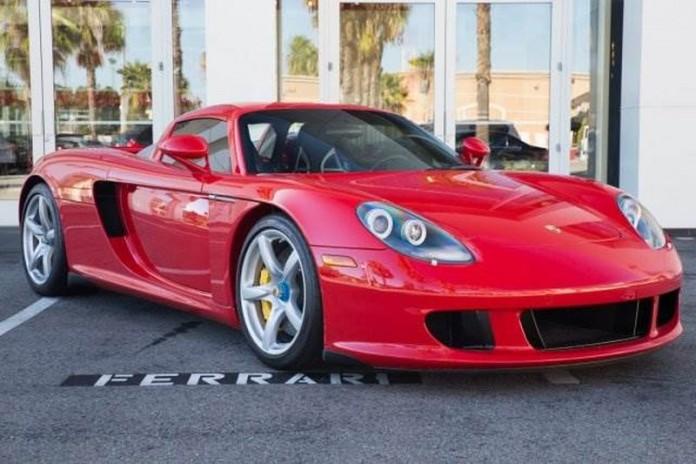 Ferrari F40 and Porsche Carrera GT for sale (15)