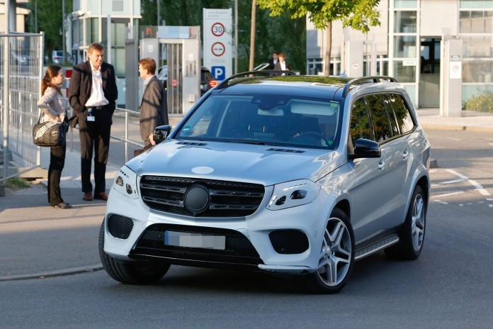Mercedes-GLS-2017-spy-photos-2
