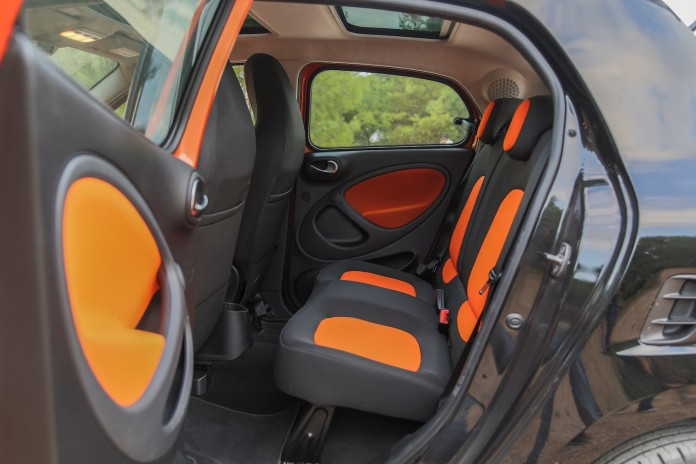Test_Drive_Smart_ForFour_27
