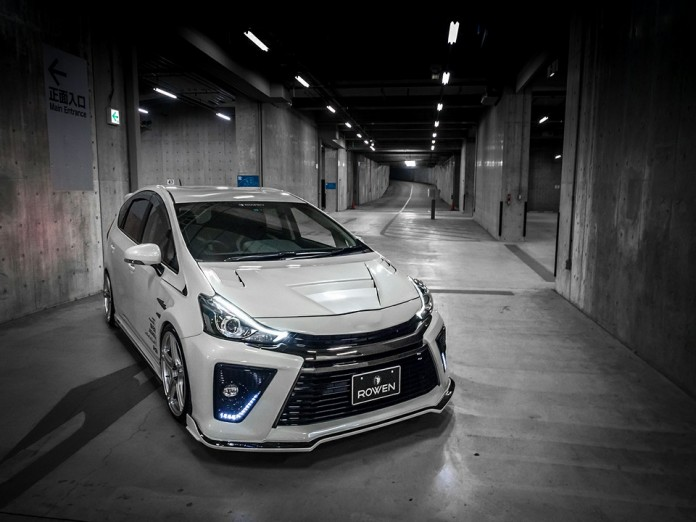 Toyota Prius by Rowen (1)