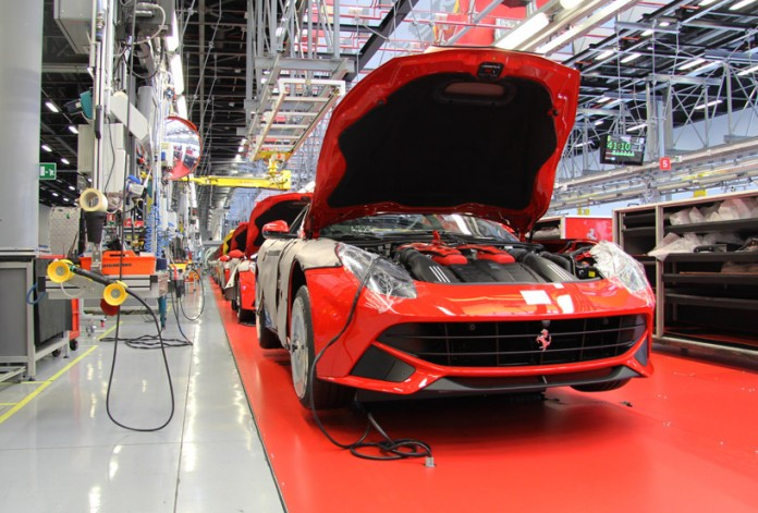 ferrari-FF-production-line-designboom03