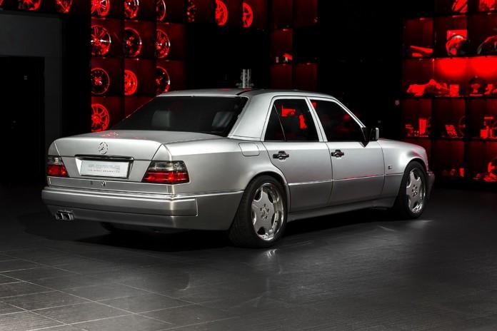 1993_MercedesBenz_E60_AMG_by)Overdrive_03