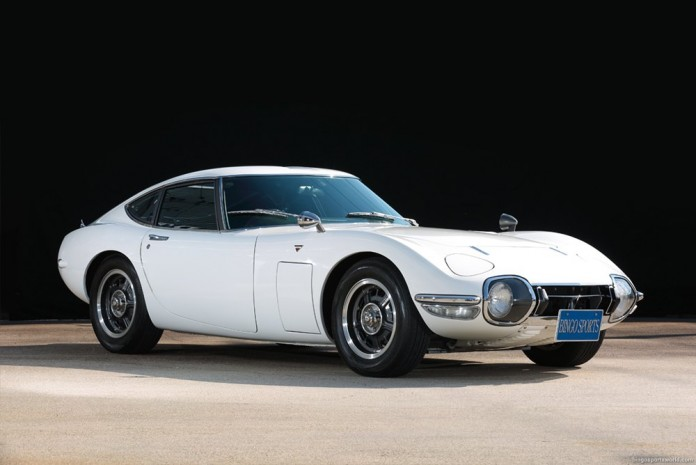 Toyota-2000GT-wit-occasion-02