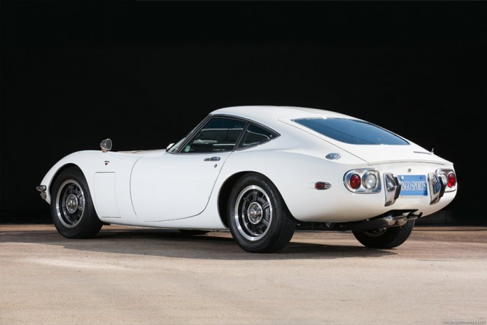 Toyota-2000GT-wit-occasion-04