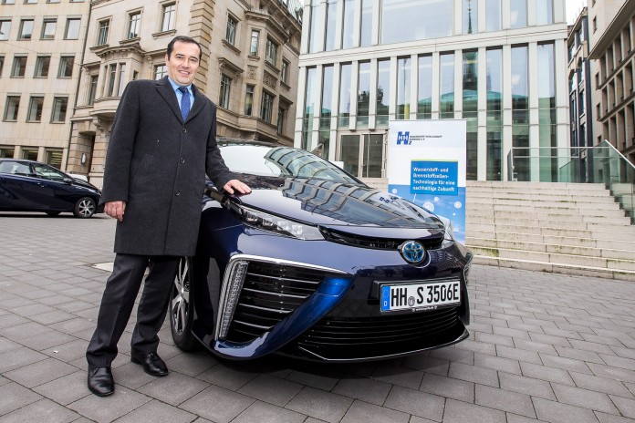 Toyota_Mirai_first_european_Delivery_41