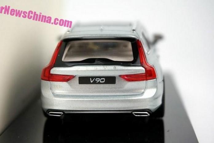 Volvo_V90_scale_model_02