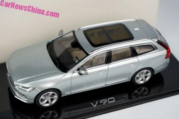 Volvo_V90_scale_model_05