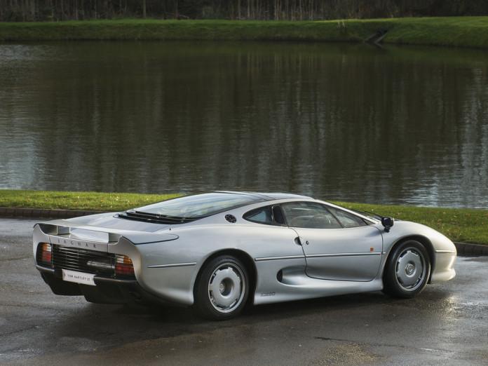1993_Jaguar_XJ220_for_sale_04