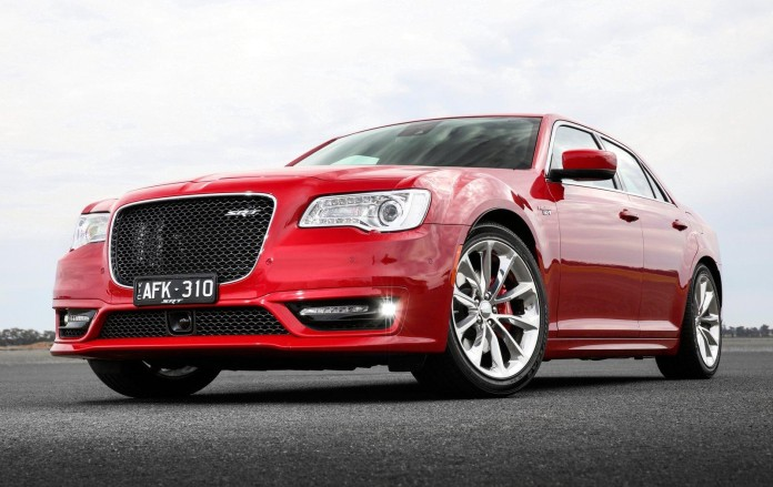 Chrysler_300_SRT_facelift_04