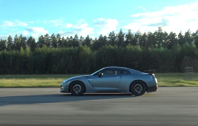 Nissan GT-R Nismo Vs Mercedes-AMG GT S