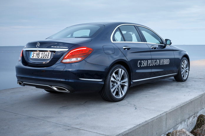 2016-mercedes-benz-c350-plug-in-hybrid-rear-side-parked-view