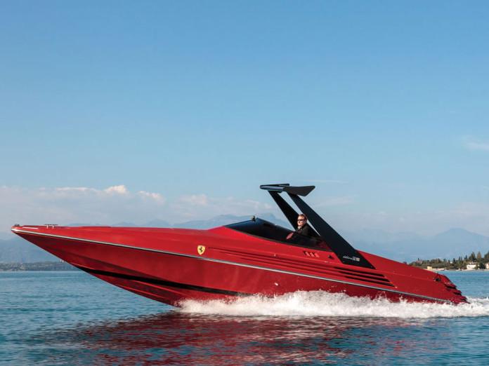 Riva Ferrari 32 (1)