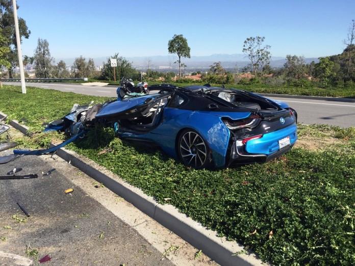 bmw i8 crash (2)