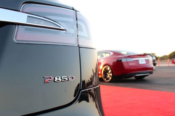 tesla-model-s-p85d-rear-badge