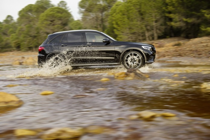 Mercedes-AMG_GLC_43_4MATIC_07
