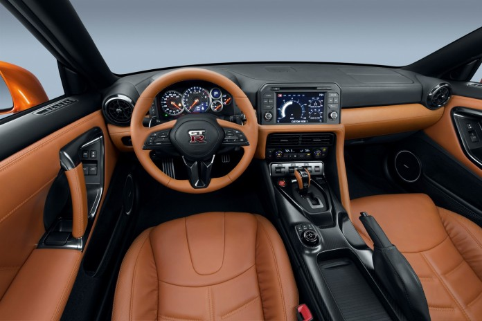 Nissan GT-R 2017 (12)