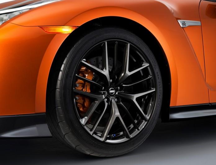 Nissan GT-R 2017 (9)