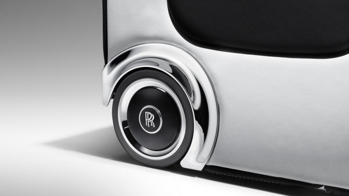 Rolls_Royce_Wraith_Luggage_Collection_07