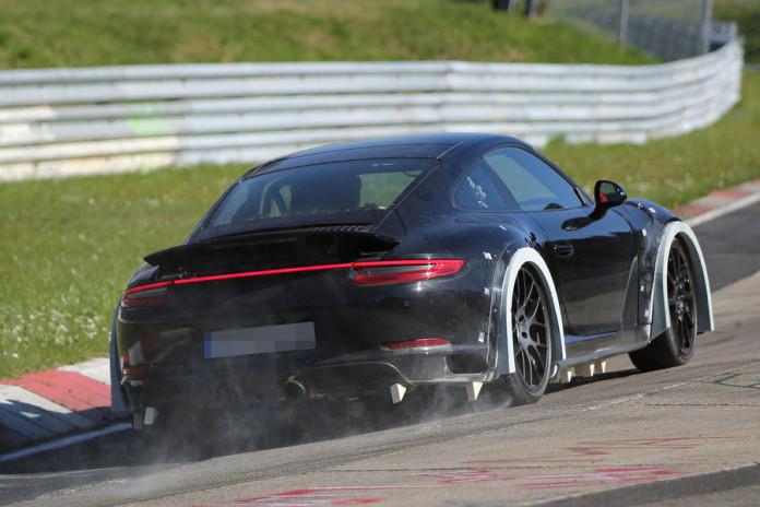 Spy_Photos_Porsche_911_2018_02