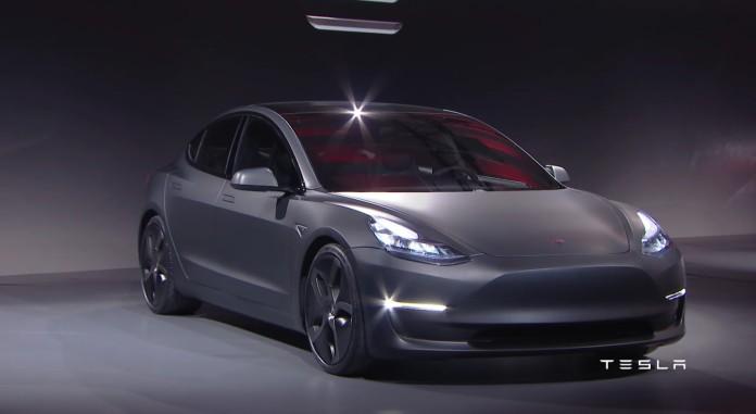 Tesla Model 3 (24)