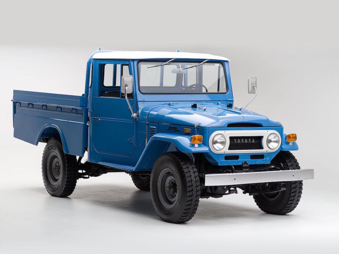 1974 Toyota Land Cruiser FJ45 Pickup (1)