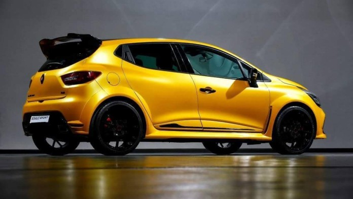 hotter_Renault_Clio_RS_03