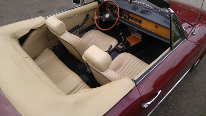 1971_Fiat_124_Spider_13