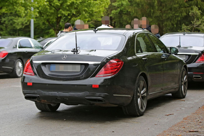 Spy_Photos_Mercedes_S-Class_Facelift_13