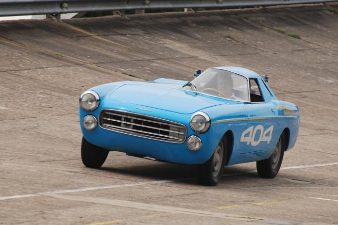 1965_Peugeot_404_diesel_04