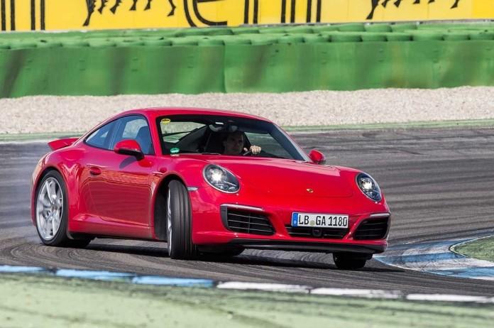 2016-porsche-911-carrera-drifting