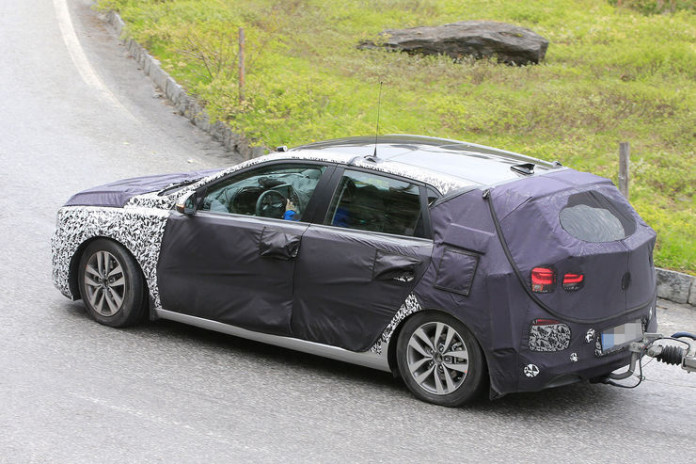 Spy_Photos_2017_Hyundai_i30_06