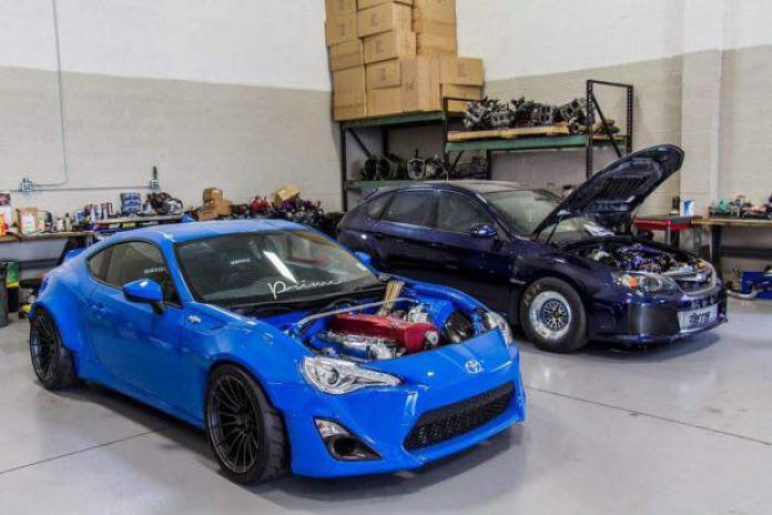 Toyota GT86 with GT-R (5)