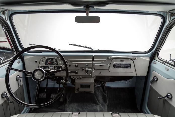 Toyota_Land_Cruiser_ FJ45LV_Capri_Blue_White FJ451