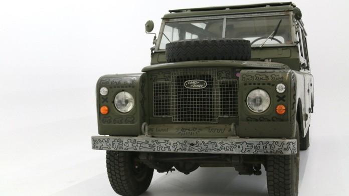 land-rover-art-car-by-keith-haring