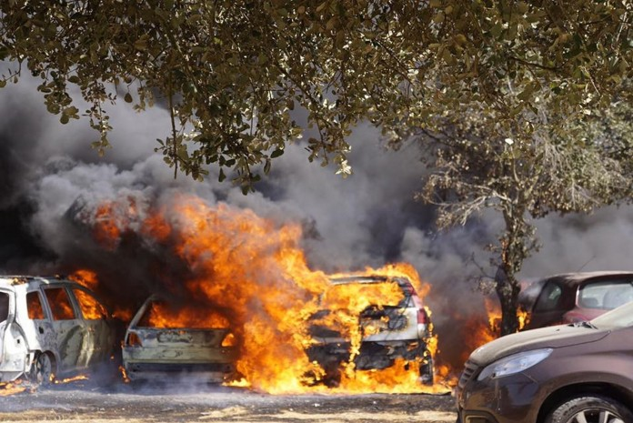 fire-in-car-park-of-dance-festival-destroys-422-vehicles_2