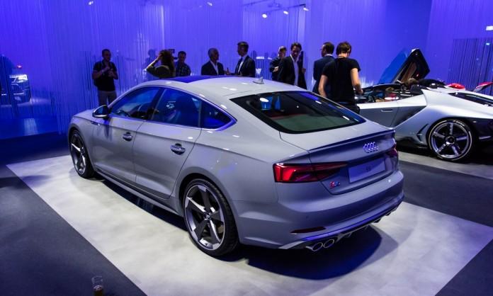 Audi-S5-Sportback-2017-0775